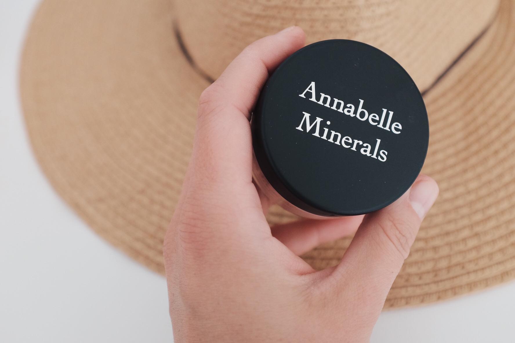 Annabelle Minerals podkład rozświetlający